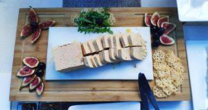 Plateau figues et foie gras présentation traiteur